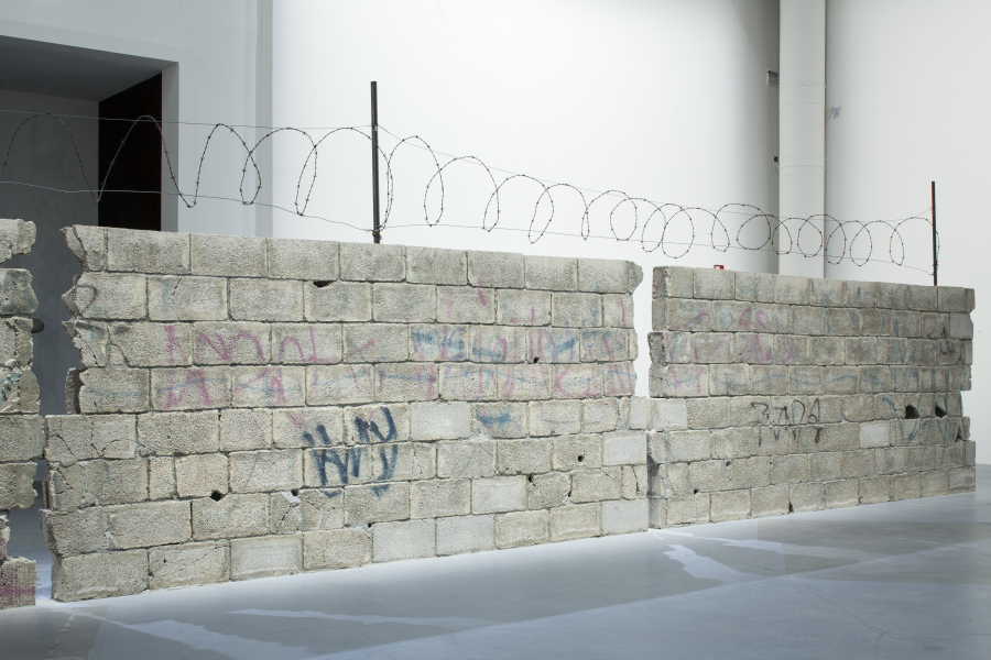 Teresa Margolles, Muro Ciudad Juarez, 2010. Foto: Francesco Galli. Cortesía: La Biennale di Venezia