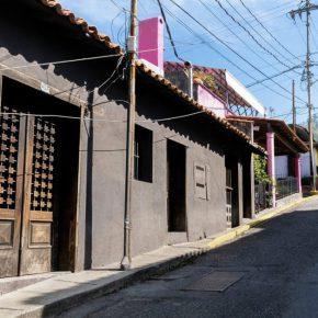 EN MEDIO DE LA OSCURIDAD ALUMBRAN FAROLES. DOS NUEVOS ESPACIOS PARA EL ARTE EN CARACAS