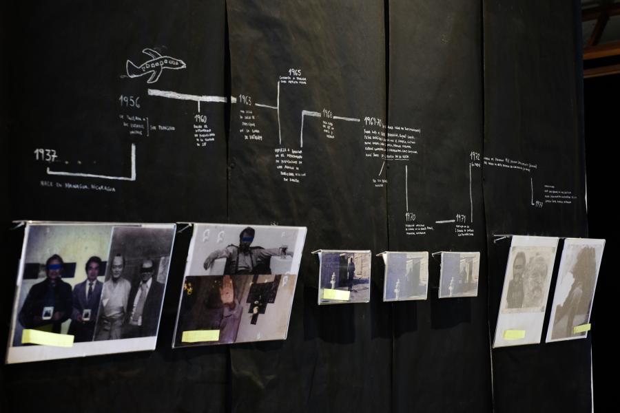"""Vista de la exposición """"La inmedible dimensión del caos, la vida de Rolando Castellón en nosotros"""", en TEOR/éTica, San José de Costa Rica, 2019. Foto cortesía de TEOR/éTica"""