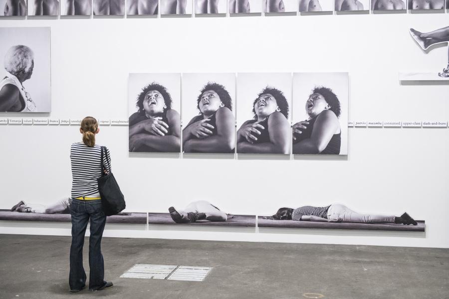 """Jonathas de Andrade, representado por Galleria Continua, en la sección """"Unlimited"""" de Art Basel 2019. Foto cortesía de Art Basel"""