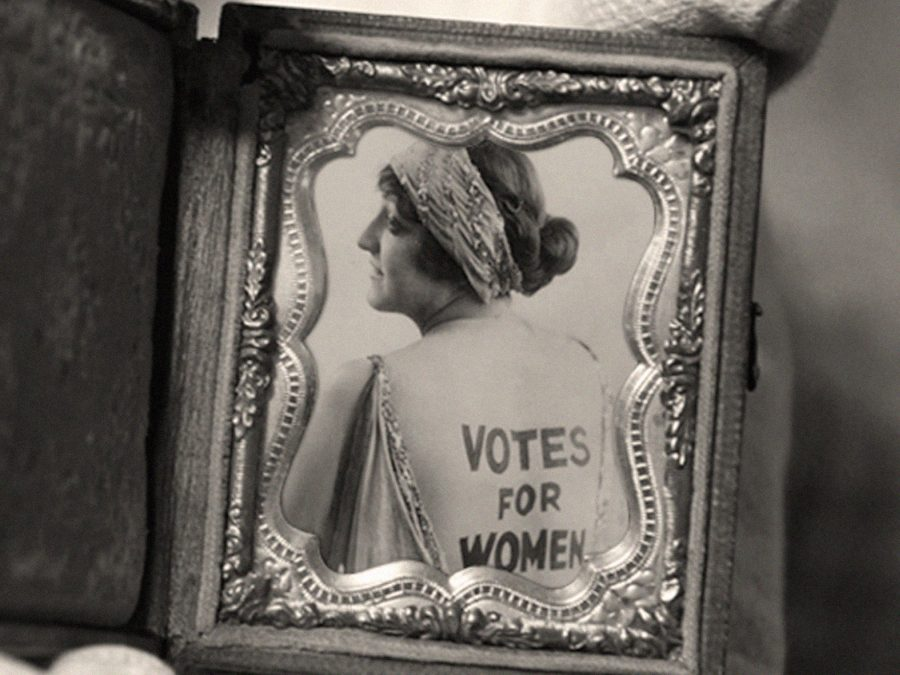 MARÍA MARÍA ACHA-KUTSCHER: WOMANKIND