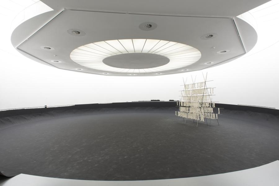 Adrien Tirtiaux, A tort ou horizon, 2013-2019. Courtesy Galerie Marin Janda, Vienna. Installation view at M HKA