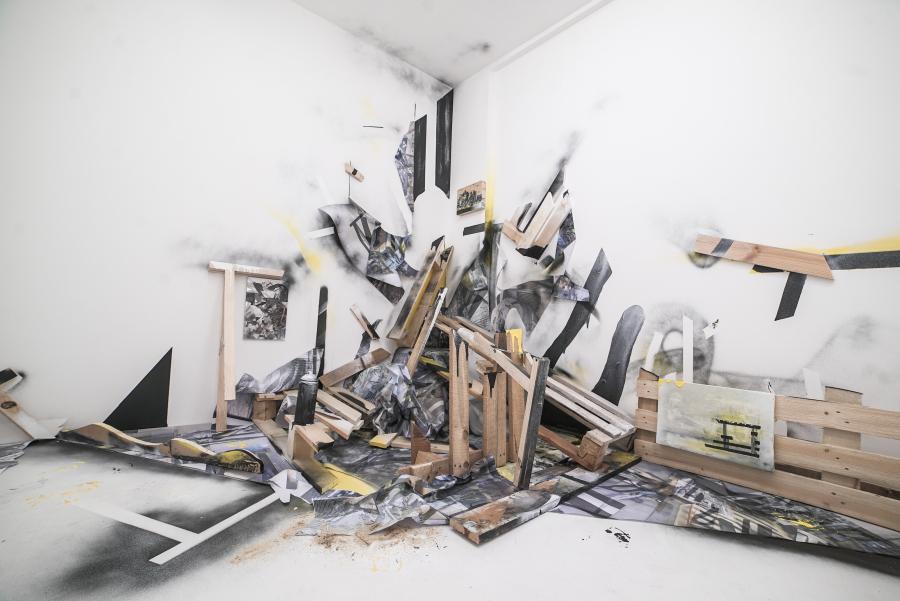 Louisa Marajo, Ruins Flowers, 2018, instalación en técnica mixta. Cortesía de la artista