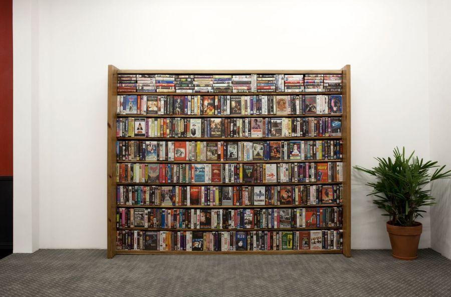 """Vista de la exposición """"Próximamente"""", de Leandro Erlich, en la galería Ruth Benzacar, Buenos Aires, 2019. Foto: Nacho Iasparra"""
