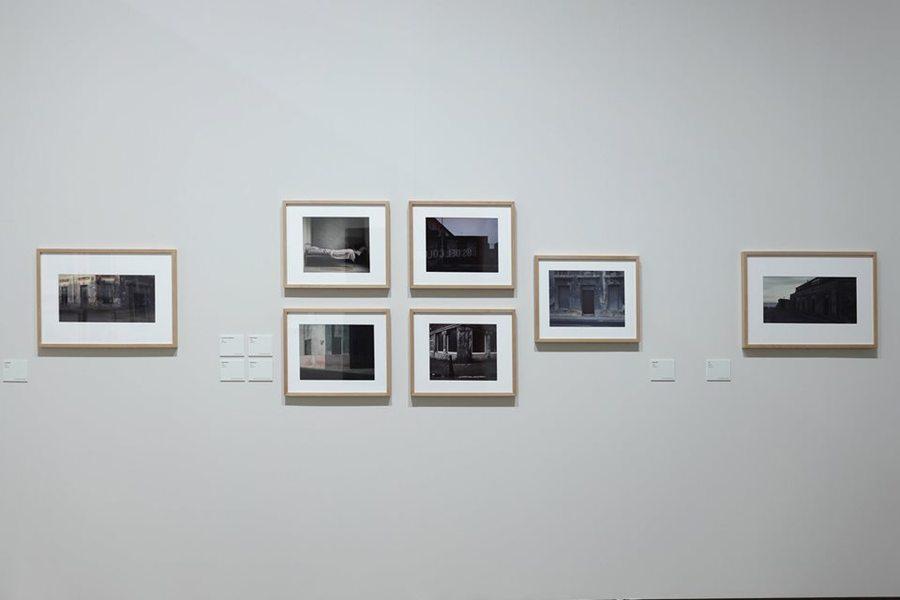 Vista de la exposición 'Humberto Rivas 1937-2009' en Centre Cultural La Nau, Valencia, España. Foto cortesía del Centre Cultural La Nau