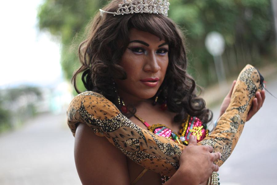Nicole, Reina de Macas. Tania Macera Torres/ Wilo Shacay, serie fotográfica, Macas - Ecuador, 2016 – 2018. Cortesía: CAC Quito
