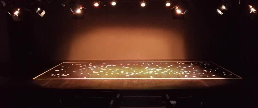 Vista del escenario, Presentación del libro Objetos1, Centro Cultural de España en Guatemala, 2019. Fotografía por Josseline Pinto