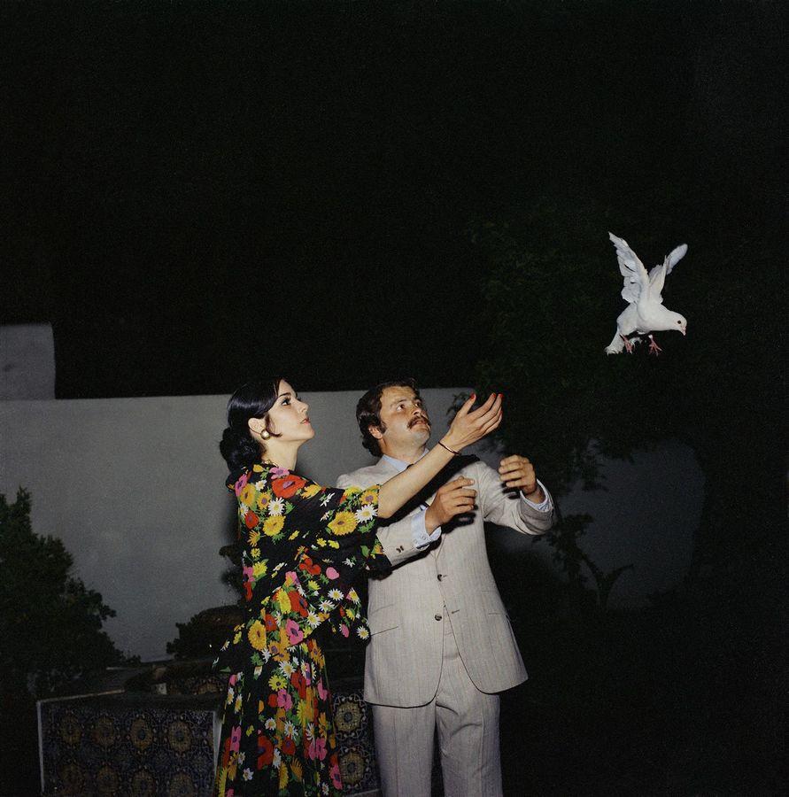 """Yvonne Venegas. Proyecto """"Días únicos"""". Boda Castellanos – Martínez, 1972. Foto: José Luis Venegas. Archivo Estudio Venegas Fotografía Fina. Cortesía de Yvonne Venegas y José Luis Venegas"""