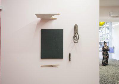 """Obras de Armando Rosales en la exposición """"Pach Pan"""", DiabloRosso, Ciudad de Panamá, 2019. Foto cortesía de la galería"""