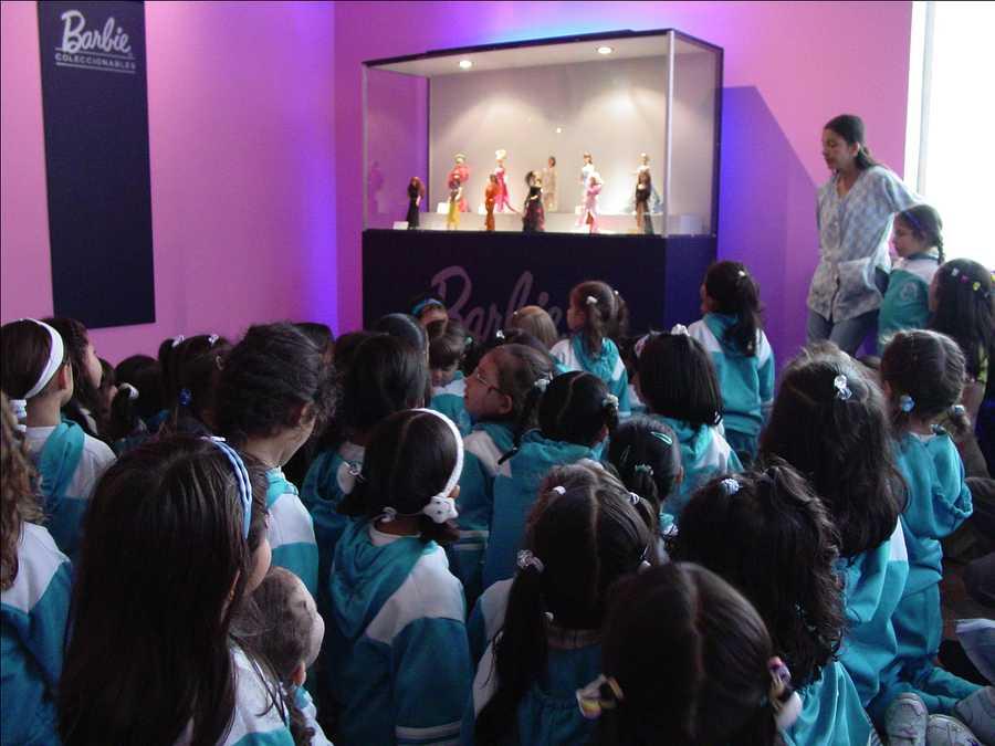 Exposición en el MAMBO sobre la famosa muñeca Barbie. Cortesía: Jaime Iregui