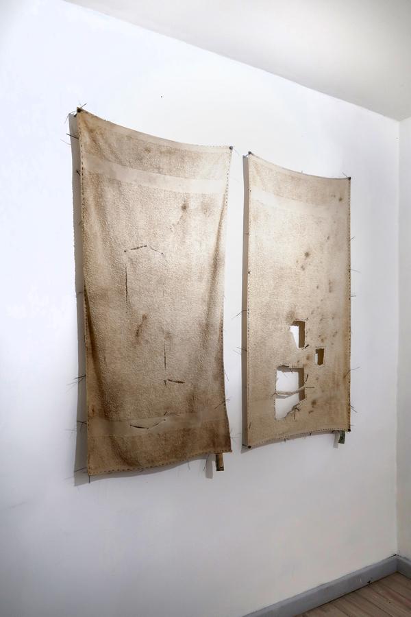 """Juan Carlos Rodríguez. Vista de la exposición """"El cubo líquido"""", en Galería Jacob Karpio, Bogotá, 2019. Foto cortesía de la galería."""