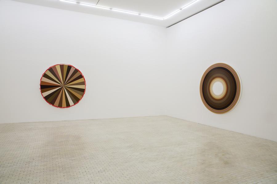 """Vista de la exposición """"Otros cuerpos detrás"""", de Adriana Varejão, en el Museo Tamayo, Ciudad de México, 2019. Foto: Ramiro Cháves"""