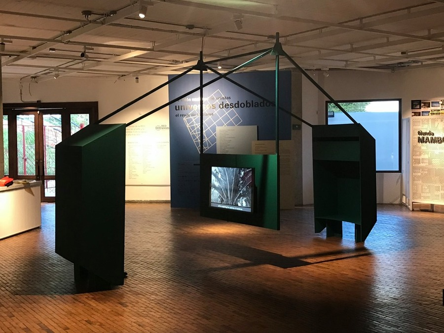 """Obra de Jessica Mitrani en """"Universos desdoblados"""", curaduría de La Usurpadora para el 45 SNA, MAMBO, Bogotá, 2019. Foto cortesía de La Usurpadora"""