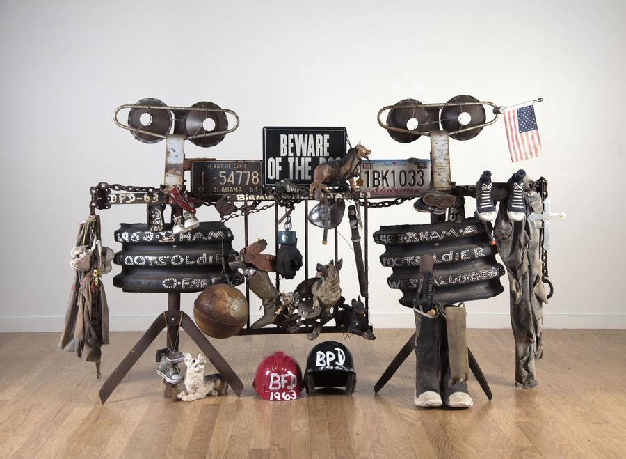 Joe Minter, '63 Foot Soldiers, 1999. Vista de la Bienal del Whitney, Nueva York, 2019. Foto cortesía Whitney Museum.