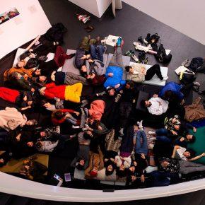 Artistas en Residencia es un programa conjunto de La Casa Encendida, del CA2M Centro de Arte Dos de Mayo y del MACBA, Museu d'Art Contemporani de Barcelona