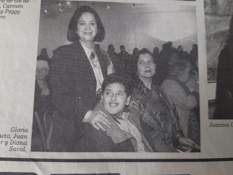 Diario El Mercurio, 8 de julio de 1996. Juan Yarur en su primera subasta de arte, 12 años de edad. Cortesía: Juan Yarur