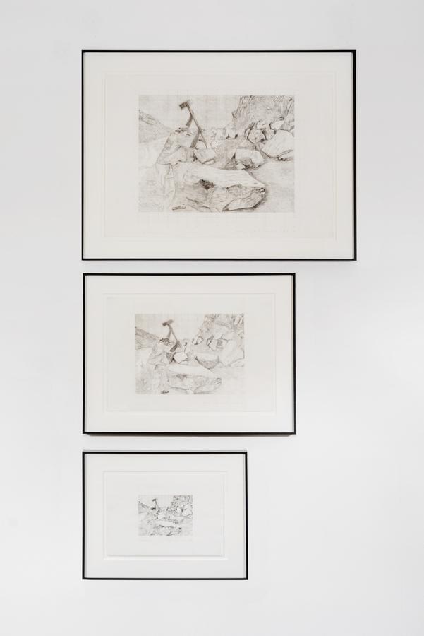 Jorge Julián Aristizábal, Fracturas, 1998, grafito sobre papel, Grande: 85 x 65 cm; Mediano: 65 x 50 cm; Pequeño: 50 x 40. Cortesía: Liberia