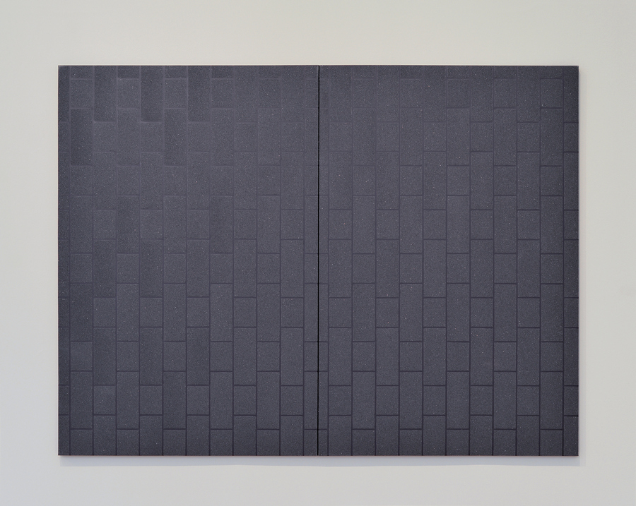 Patrick Hamilton, Pintura Abrasiva # 48, 2018. Papel de lija y acrílico sobre tela, 180 x 240 cm.