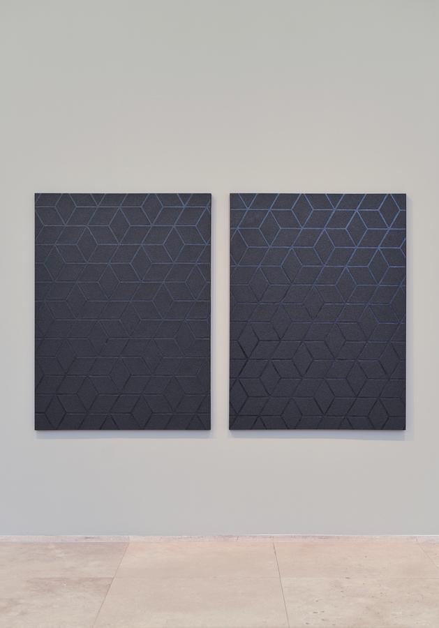 Patrick Hamilton, Pintura Abrasiva # 61 y Pintura Abrasiva # 62, 2019. Papel de lija y acrílico sobre tela, 130 x 97 cm. cada una.