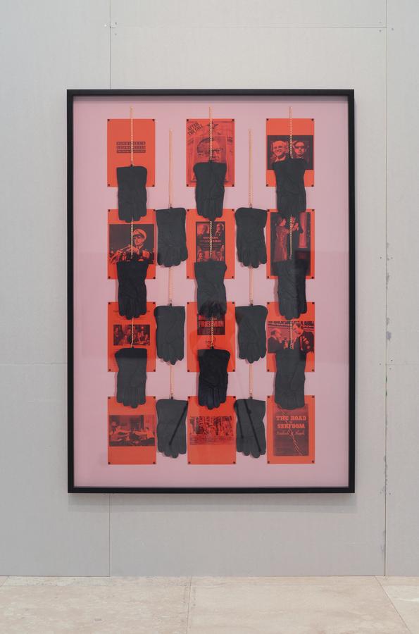 Patrick Hamilton, The Chicago Boy's Project (La mano invisible) # 3, 2019. C-print digital, marco de madera, 170 x 120 cm