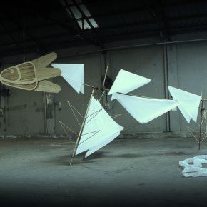 Iván Cáceres, La orejona primigenia, 2019, instalación (Ecultura) videoarte. Dimensiones variables. URRA, Tigre, Argentina, 2019. Cortesía del artista