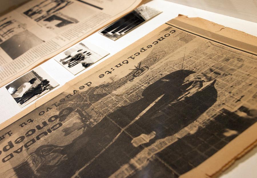 Concepción te devuelto tu imagen, del ColetivoArte80, intervención gráfica en Diario El Sur, 1982. (Archivo Pilar Hernández). Foto: Sebastián Rivas