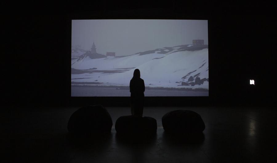 """Vista de la exposición """"Sed"""", de Gianfranco Foschino, en el Centro Cultural Matucana 100, Santiago de Chile, 2019. Foto cortesía del artista"""