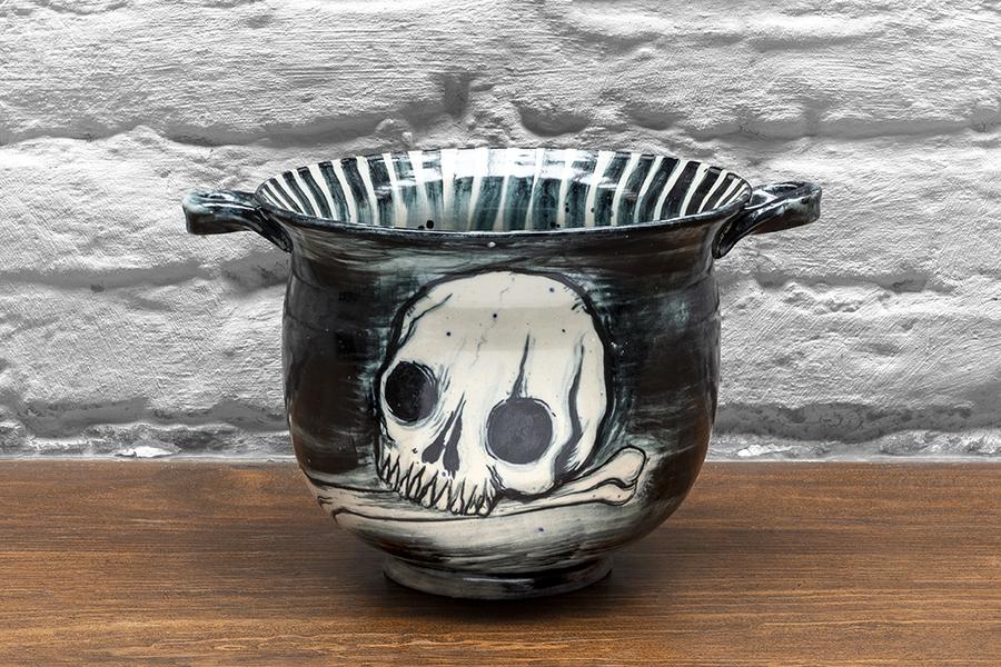 Dr. Lakra, Sin título, 2019, cerámica esmaltada a alta temperatura. Cortesía: kurimanzutto