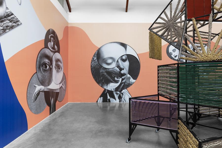 Haegue Yang, Eclectic Totemic, 2020, impresión digital a color, dimensiones variables. Cortesía: kurimanzutto
