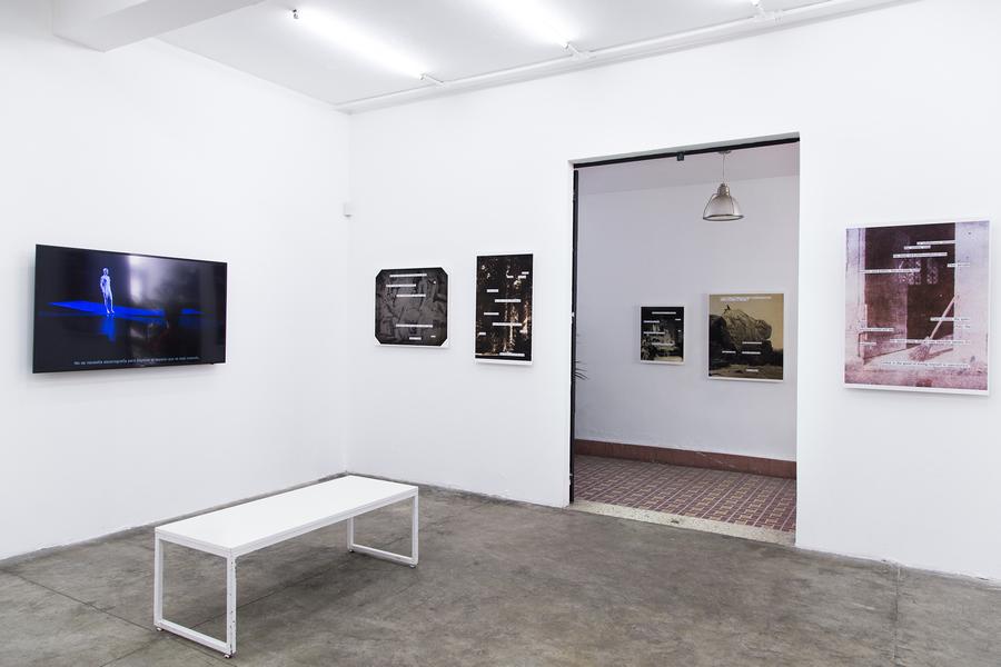 """Vista de la exposición """"Inter/medio"""", en ESPAC, Ciudad de México, 2020. Cortesía: ESPAC"""