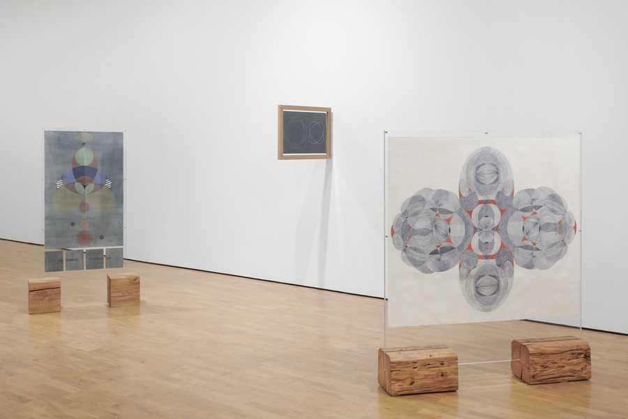 """Vista de la exposición """"Tools for Life"""", de Johanna Unzueta, en Modern Art Oxford, 2020. Foto: Ben Westoby."""